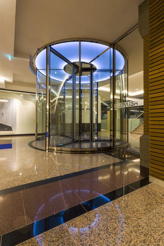 Automatische Glazen Deuren.Automatische Glazen Schuifdeuren Winkel Entree Winkelcentra